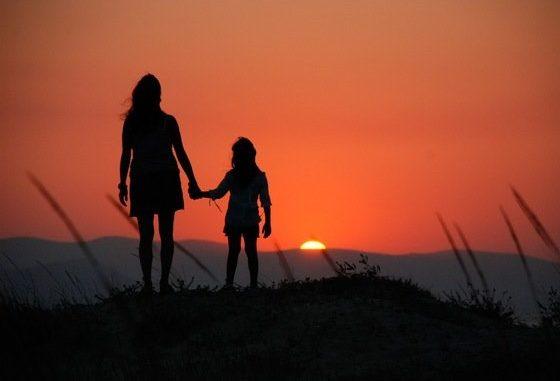 Top Buon compleanno figlia mia: frasi di auguri e idee per una lettera  FJ39