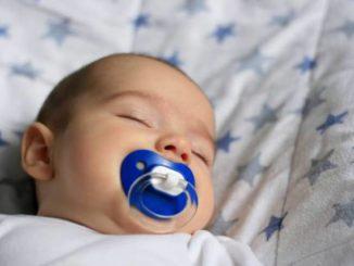 Sognare bambini piccoli neonati